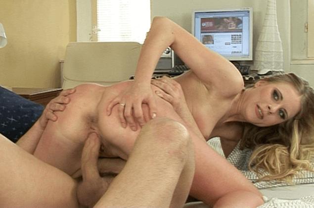 Unzensiertes Fickfoto zeigt blonde Studentin beim Muschi Sex